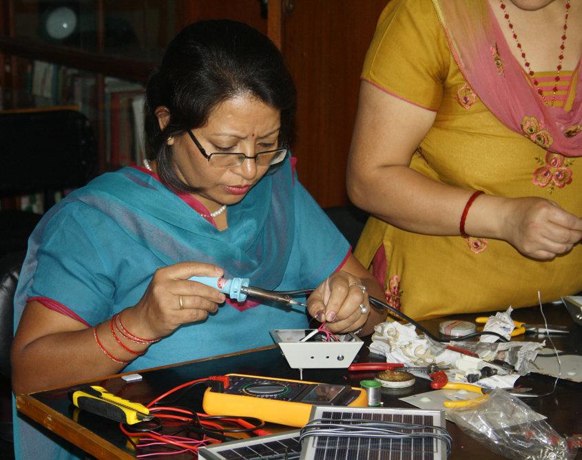 Assembling Training for Womens
