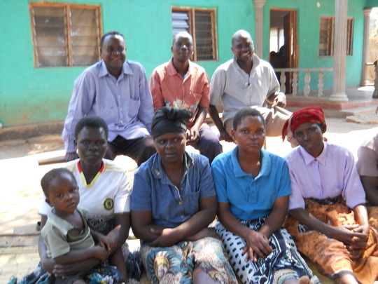 Liwonde Headman and villagers