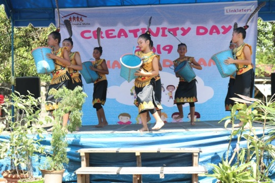 Special dance performance.