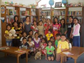 Me and all the children at YUM Kalimantan Library