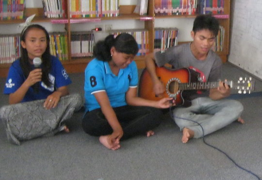 Singing with PPIK students