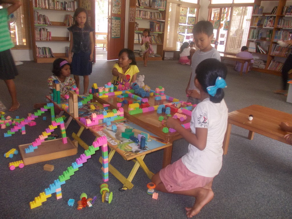 Making a house with Lego