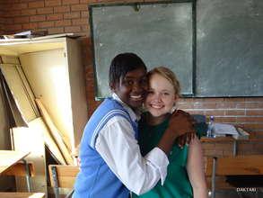 Grace with Lizzy, one of Daktari's volunteers.
