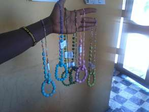 Check out these African jewelry we shipping to USA