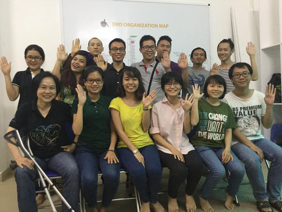 Ms. Yen (first row, left) and the young leaders