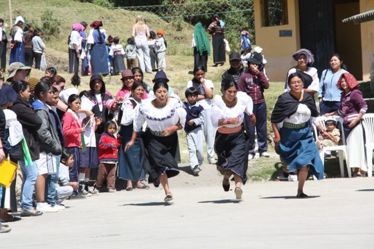 Mother's Day run gets competitive in Ecuador!