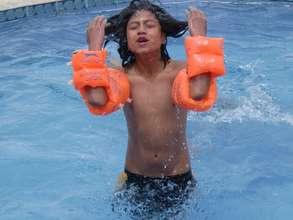 Swimming lessons in Ecuador