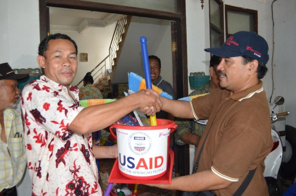 Distribution of hygiene and cleaning kits