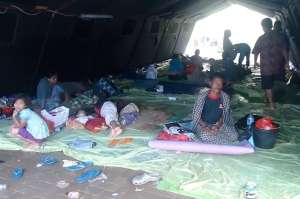 3000 families living in 5 large tents