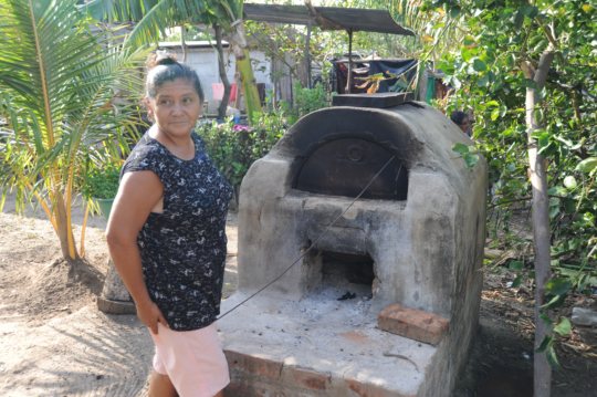 Migdalia bakes breads to diversify her business