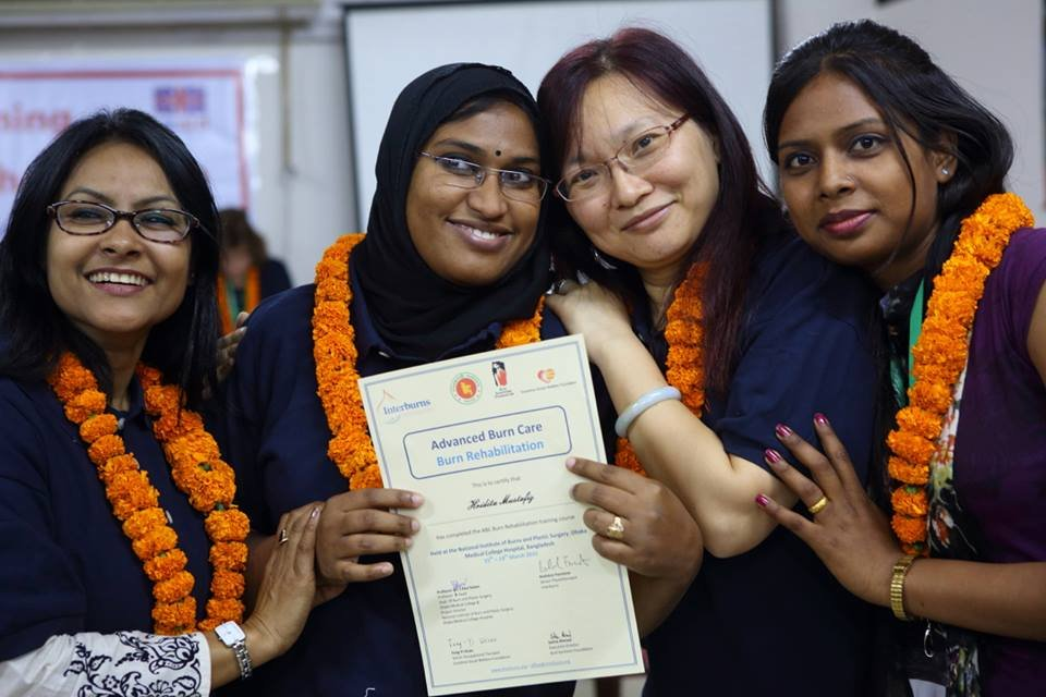 Feng-Yi and participants from Nepal and Bangladesh