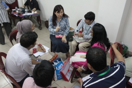 Group discussion after simulation with patients