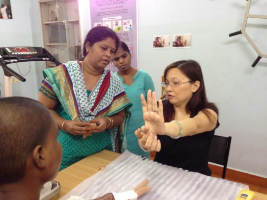 Explaining how to correct deformity