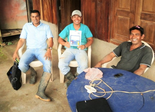 Orlando, Gonzalo & Salvador show clean water test