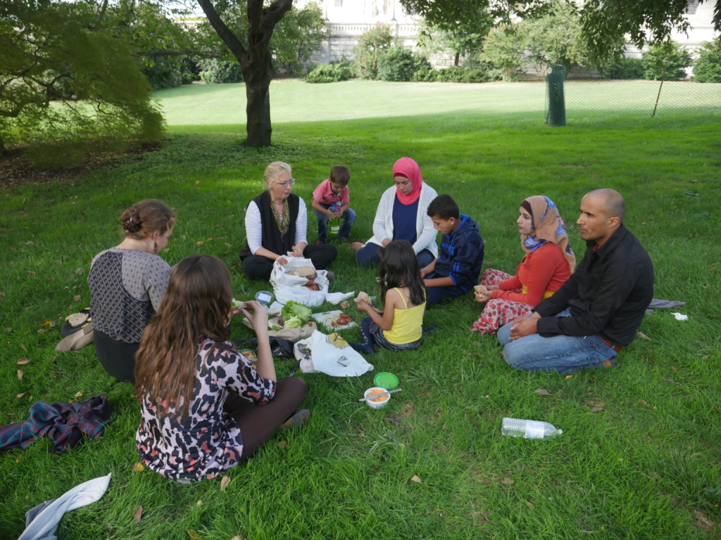 Picnic near the Capitol Bldg, w S. Hebron families