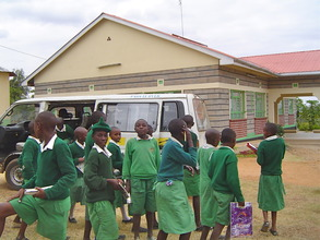 Nunga PS arrives for classes at the lRC