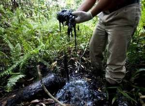 Oil in the Amazon remains with no clean up