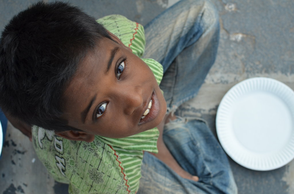 Feed 200 starving school children in India