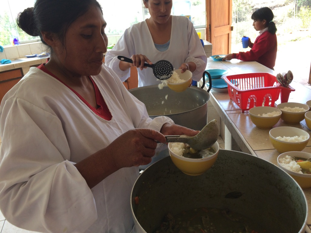 Fabulous cooks keep girls nourished with CW meal