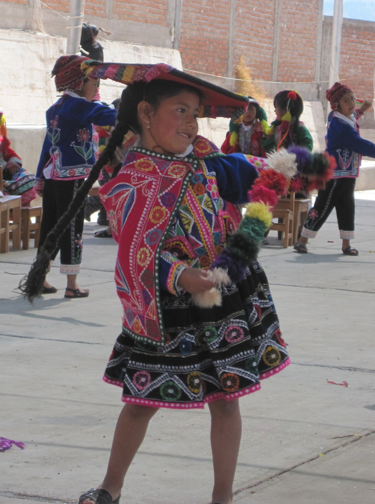 Traditional Cusco costume and Dance by student