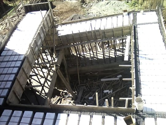 Ramp construction from ground to roof