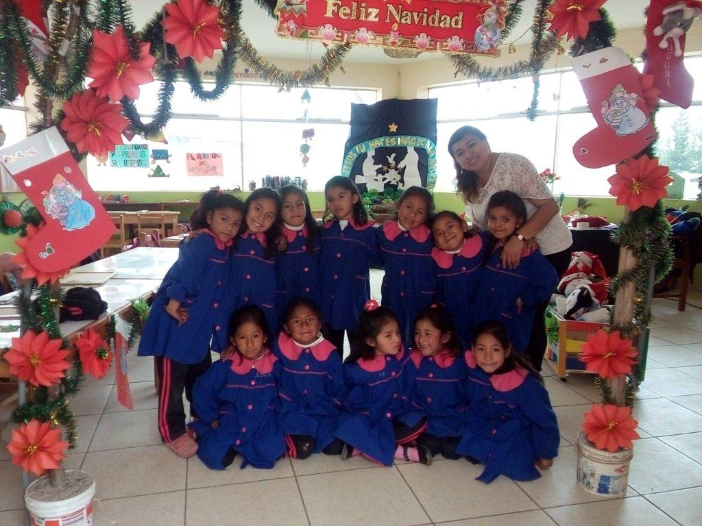 Feliz Navidad from 5 y/o Kindergarten girls