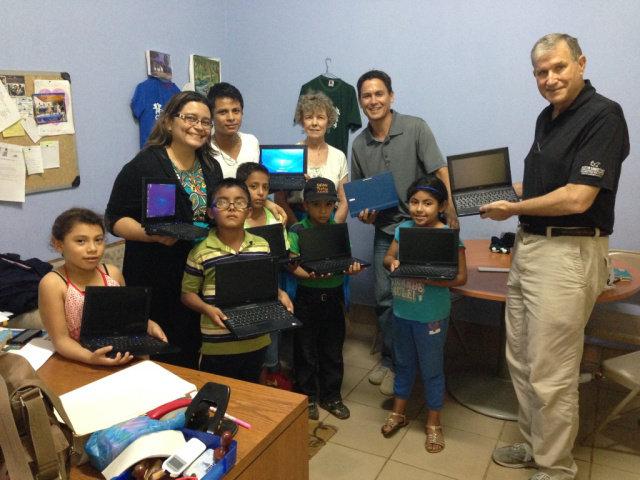 Computers have come to Club Esperanza!