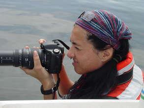 Dr. Maldini identifying dolphins
