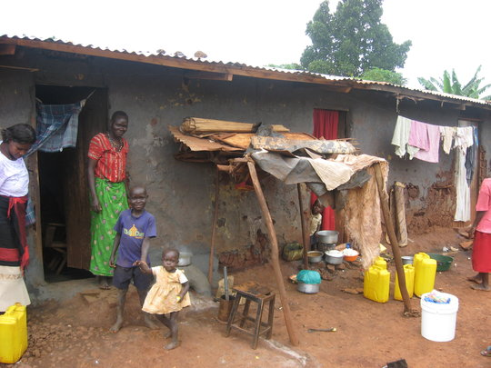 Help 120 Uganda women move from the slum to a home