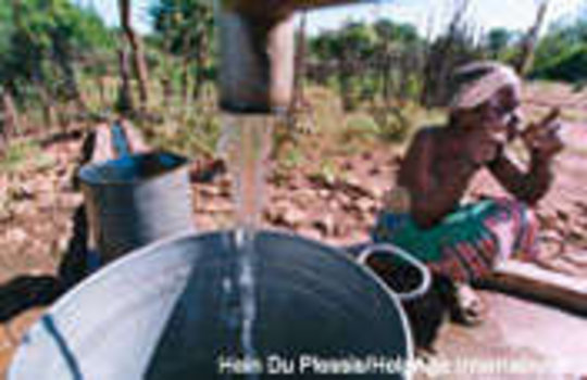 Water, Tools and Seeds for Mozambican Communities