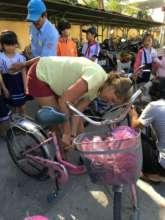 RPS volunteer repairs old bike