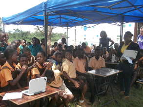 Mobile library's outdoor computer classes.