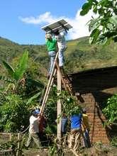 Installing a solar panel in Chirinos