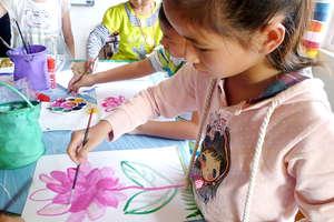 Children Draw Picture