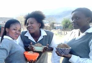 Teens dig in to good food
