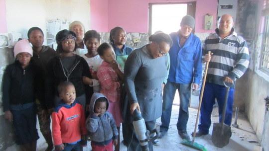 Ndileka, children and contractors