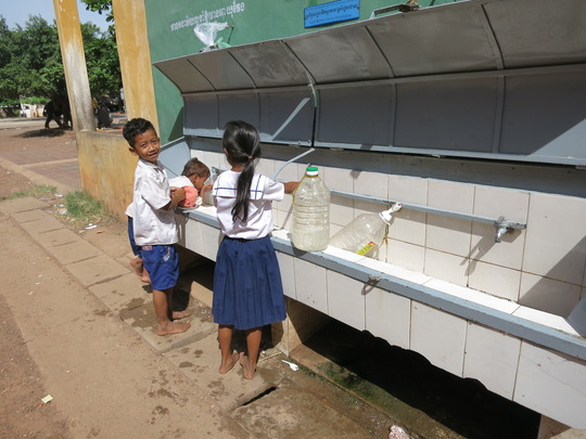 jugs or cupped hands - both work for clean water!