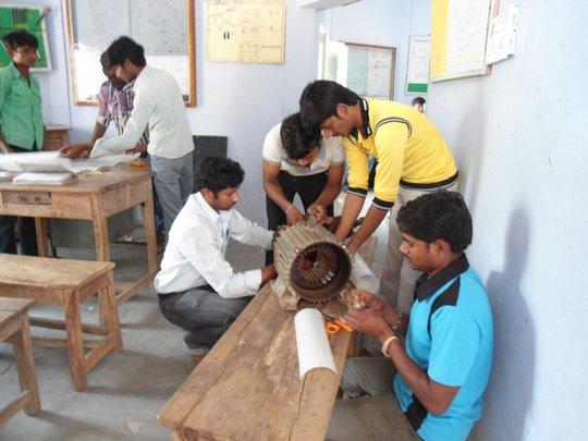 Trainees in Motor rewinding class room