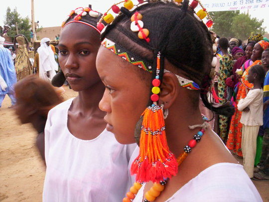 Gao area young women particpating in a fesival