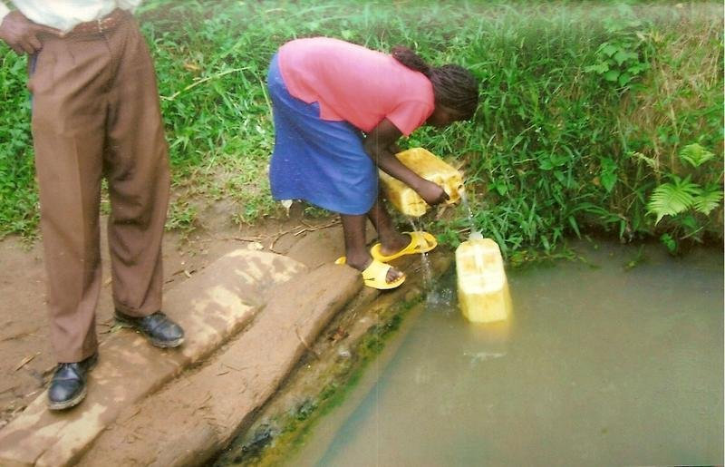 Provide piped water to 5000 people in Uganda