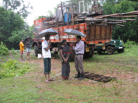 Gulabi with WCS staff on moving day