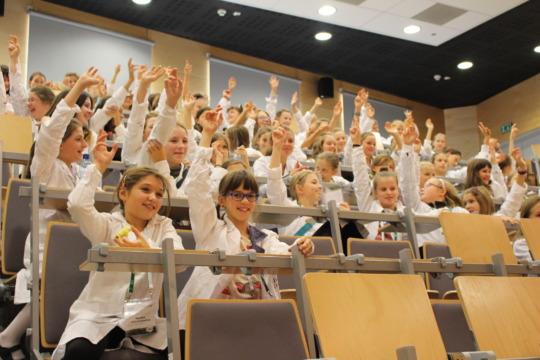 greenlight girls in Krakow show their knowledge!