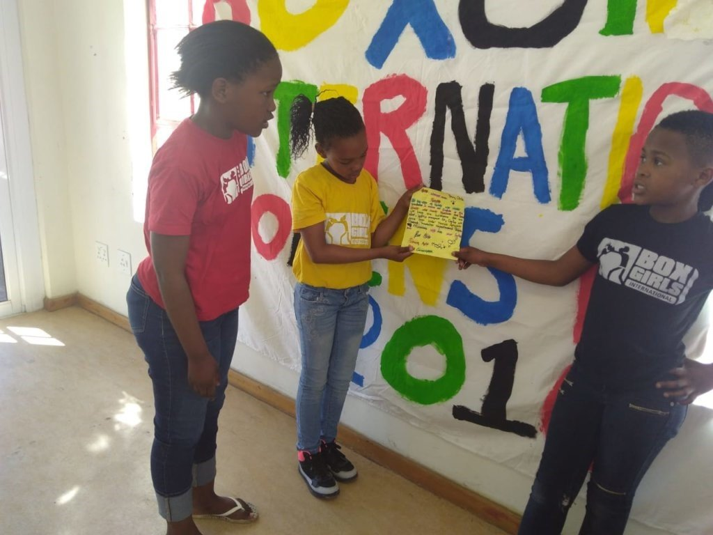 Boxgirls presenting