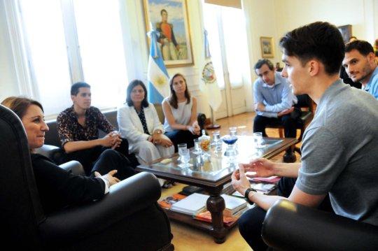 El Desafio with the city officials