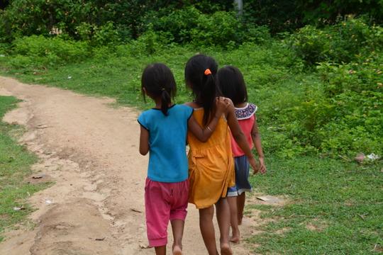 Girls heading home in Suoi Cat Village
