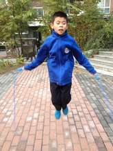 Hong Fa practices to join the school skipping club