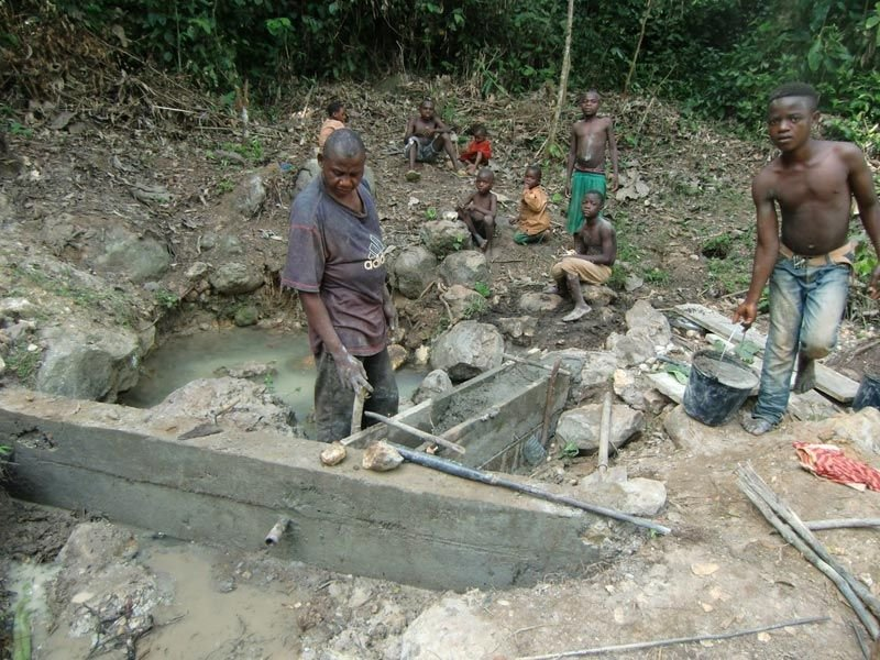 Moise pouring the second dam