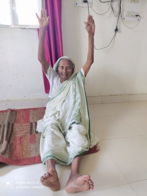 99 year old mother doing yoga