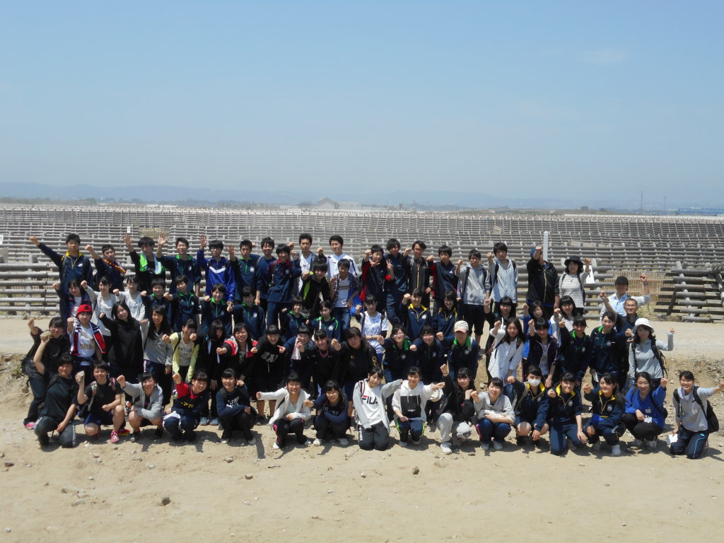 100 students after the tree planting activity