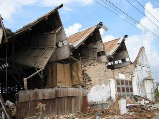 Clean Water and Food for Earthquake Survivors